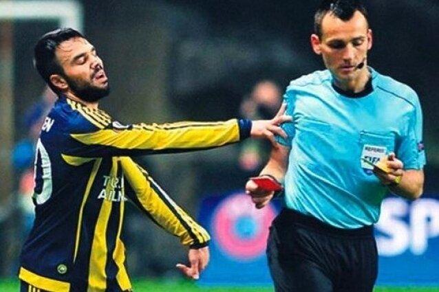 UEFA'dan son dakika de�i�ikli�i!