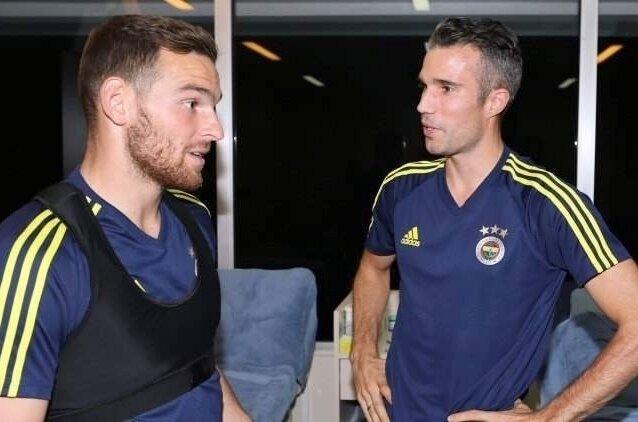 Fenerbahçemizde derbi öncesi kritik karar!