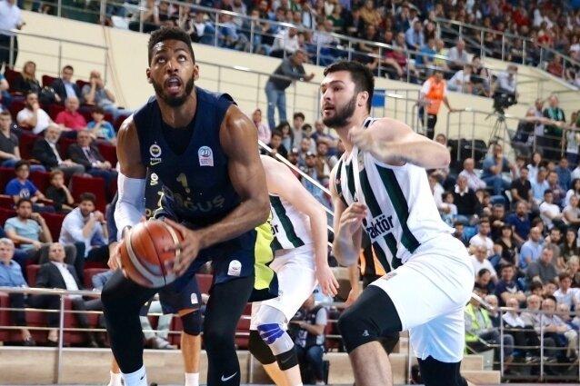 Fenerbahçe Doğuş yarı finalde