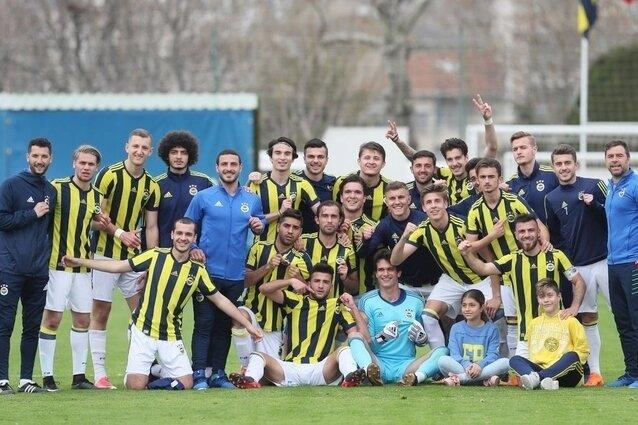 Günün ilk derbisi Fenerbahçe'nin!